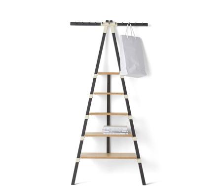 Tag re murale en forme d chelle les conseils de maman - Ikea etagere echelle ...
